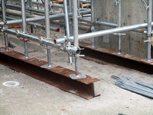Pipe and Clamp Scaffolding